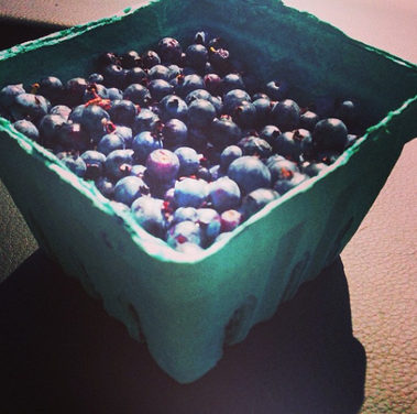 gluten-free-sunscreen-blueberries